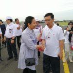 Kepala Perum BULOG Divre Jawa Timur, Muhammad Hasyim bersama Menteri BUMN di Madiun, Jumat (8/3). Foto: Humas Bulog Jatim.