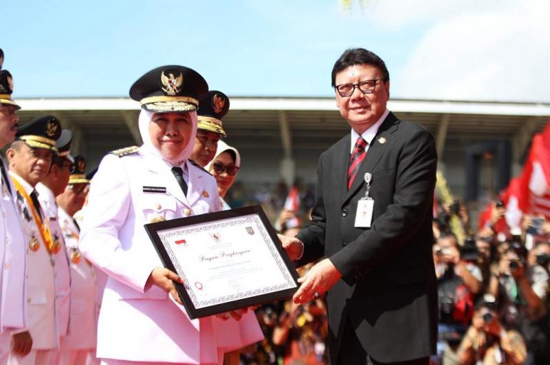 Jatim meraih penghargaan terbaik atas Laporan Kinerja Penyelenggaraan Pemerintah Daerah (LKPPD) Tingkat Nasional.