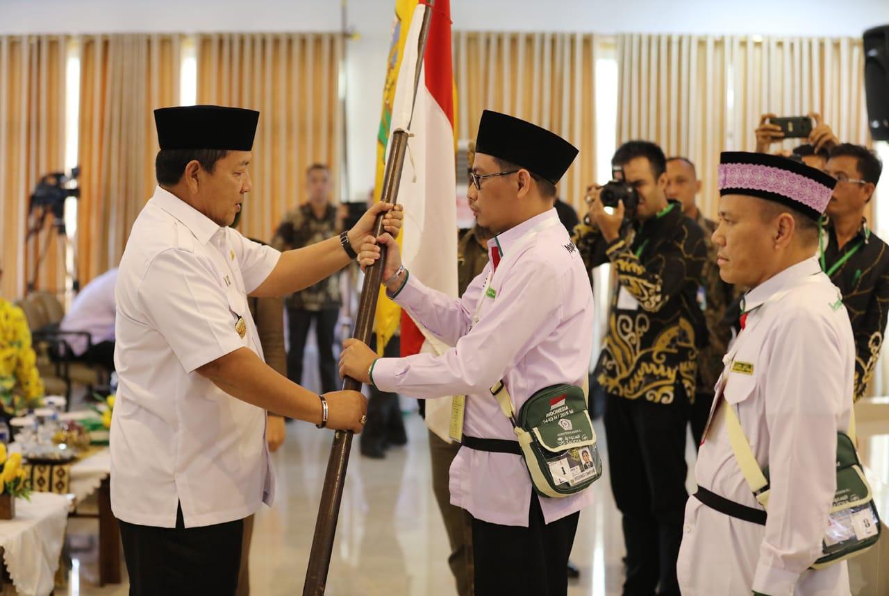 Gubernur Arinal Lepas Kloter Pertama Haji Lampung
